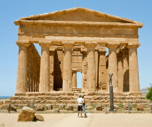 couple in front of Temple of Concordia, Agrigento