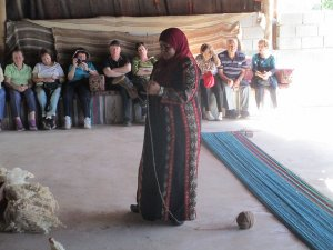 Negev_Weaving_in_Lakiya