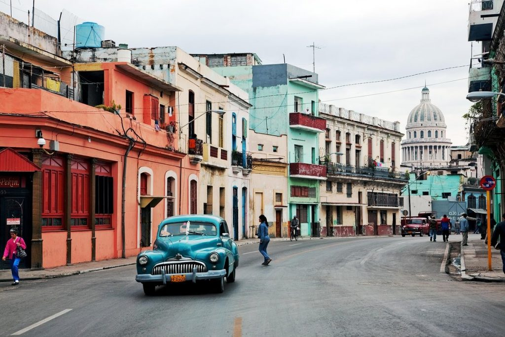 Explore Havana: From Historic Synagogues to Hemingway's Hideouts
